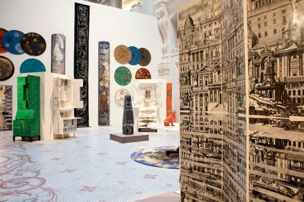 Una veduta della mostra Piero Fornasetti. La follia pratica a cura di Barnaba Fornasetti 11 marzo - 14 giugno 2015 Museé des Arts Decoratifs, Parigi