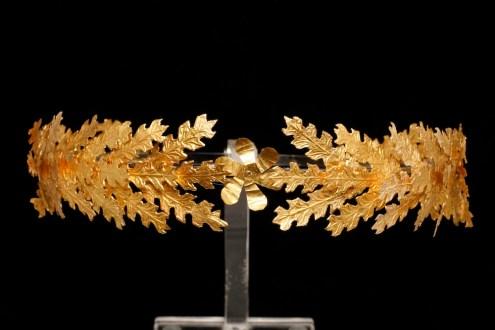 Corona di foglie di quercia, da Taranto, II secolo a.C., oro, largh. foglia 3.5 cm, Taranto, Museo Archeologico Nazionale, inv. 54759