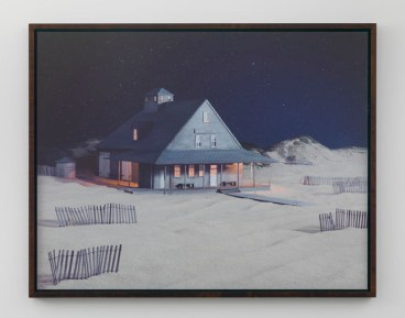 James Casebere, Party at Caffey s Inlet Lifesaving Station, 2013 - courtesy Lisson Gallery - photo Daniele Venturelli