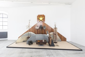 Edward Kienholz, The Nativity, 1961 - foto Delfino Sisto Legnani. Courtesy Fondazione Prada