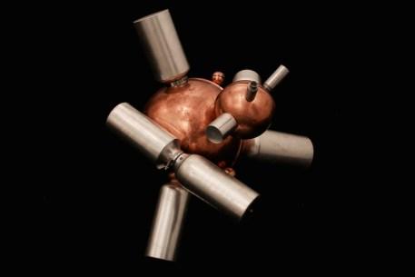 Matteo Emery, Pheromonic bubble, 2014, scultura, diffusore di feromoni, rame e alluminio, 55x65x45 cm