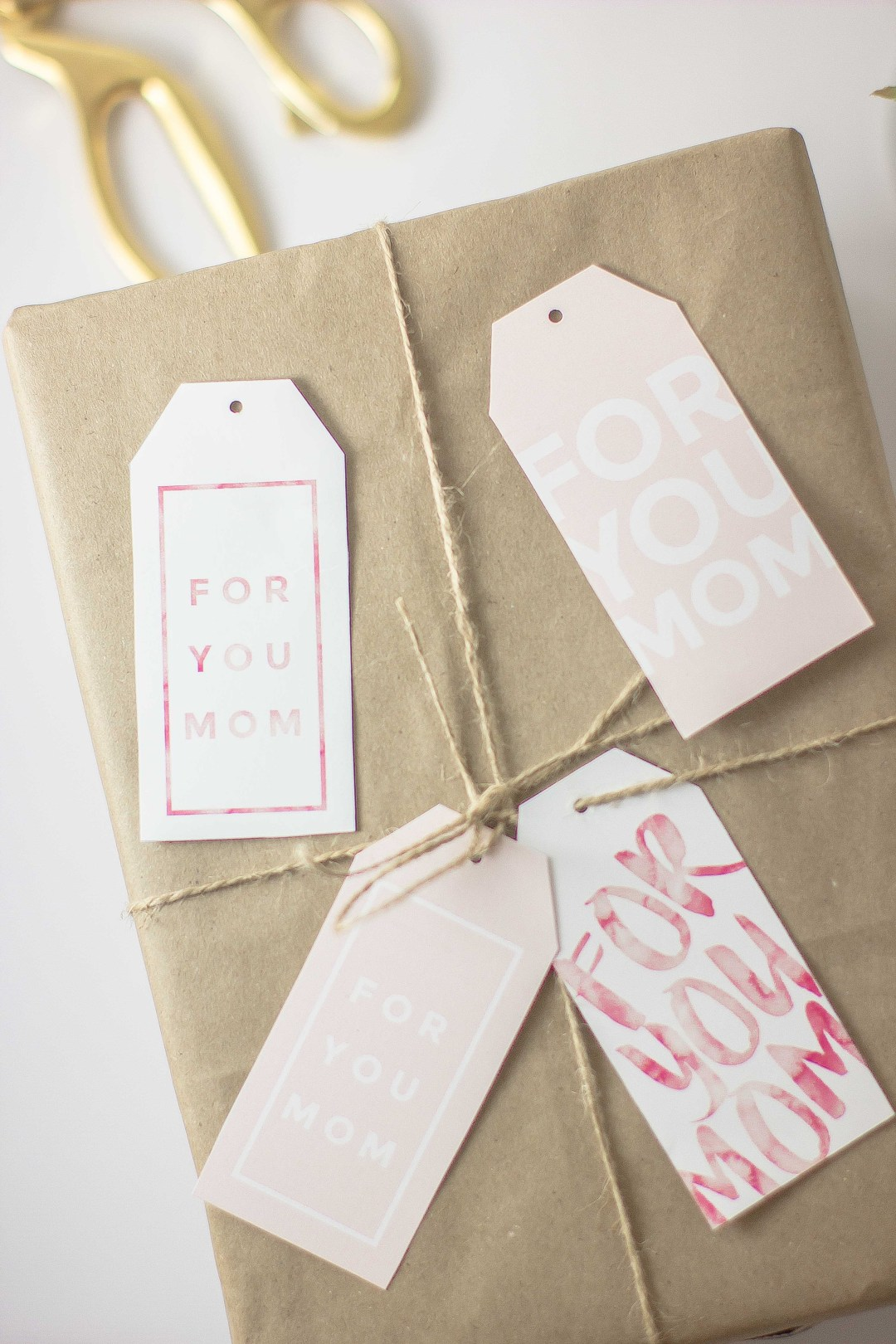 Free printable gift tags for Mother's Day. Spruce up any gift with 4 different pretty printables, & you can also write a cute message behind them!    Essie Does Summer
