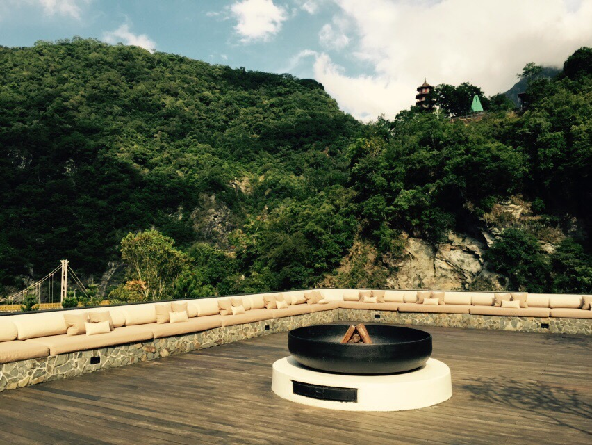 Silks Place Taroko Fire Place