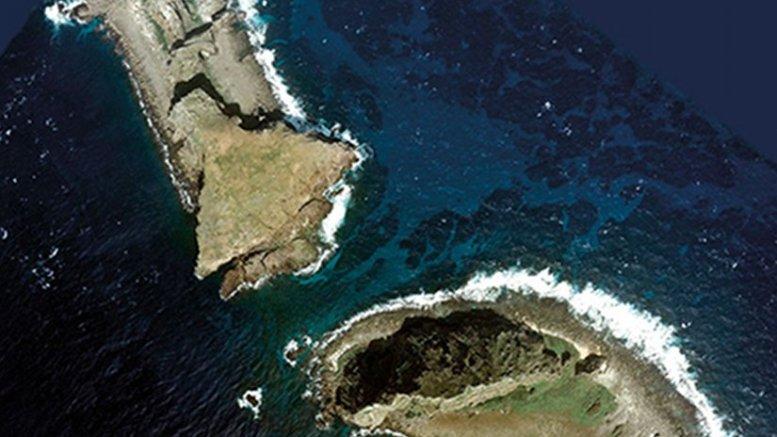 Aerial Photo of Kita-Kojima (left) and Minami-Kojima of Senkaku Islands, Ishigaki City, Okinawa, Japan (Courtesy National Land Image Information)