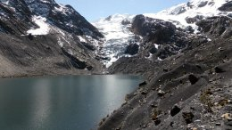 Glacier and lake near the villages of Pelechuco and Agua Blanca in the Apolobamba region, northern Bolivia. Credit Simon Cook