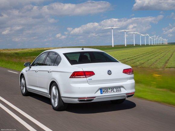 Volkswagen-Passat_GTE_2015_1280x960_wallpaper_16