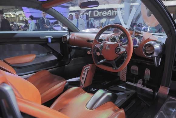 Yamaha-Sports-Ride-Concept-Interior-02