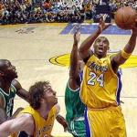 lakers(2010-kobe-lay-up-med-wide)