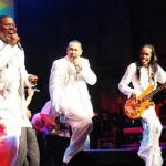 earth_wind&fire(2010-at-essence-med-wide)