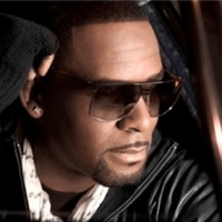 R.Kelly Accused of Screwing Promoter Out of $500k
