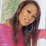 yolanda_adams(2011-pink-med-wide)
