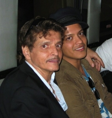 Peter Hernandez and his son Bruno Mars