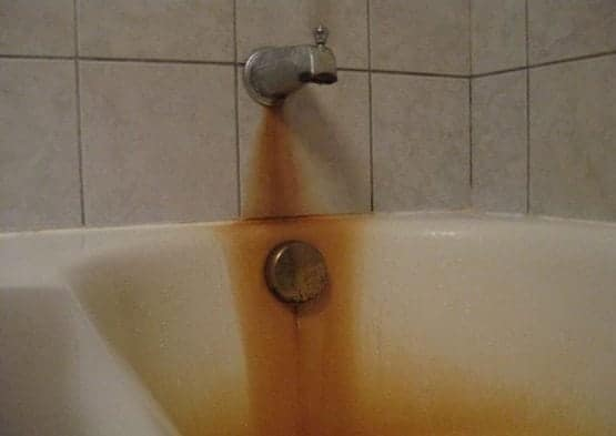 How-to-successfully-remove-rust-stains-from-your-bathtub