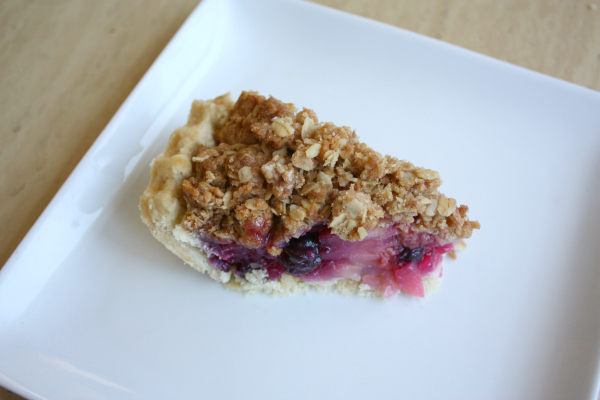 Pear-Berry Crisp Pie