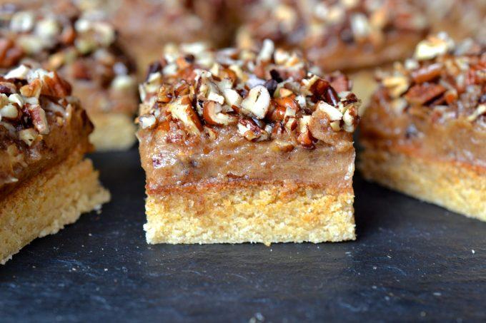 Pecan & Caramel Shortbread Bars