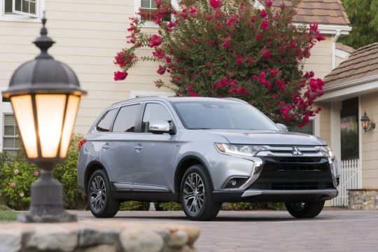 Everyman Driver: 2017 Mitsubishi Outlander S-AWC Review
