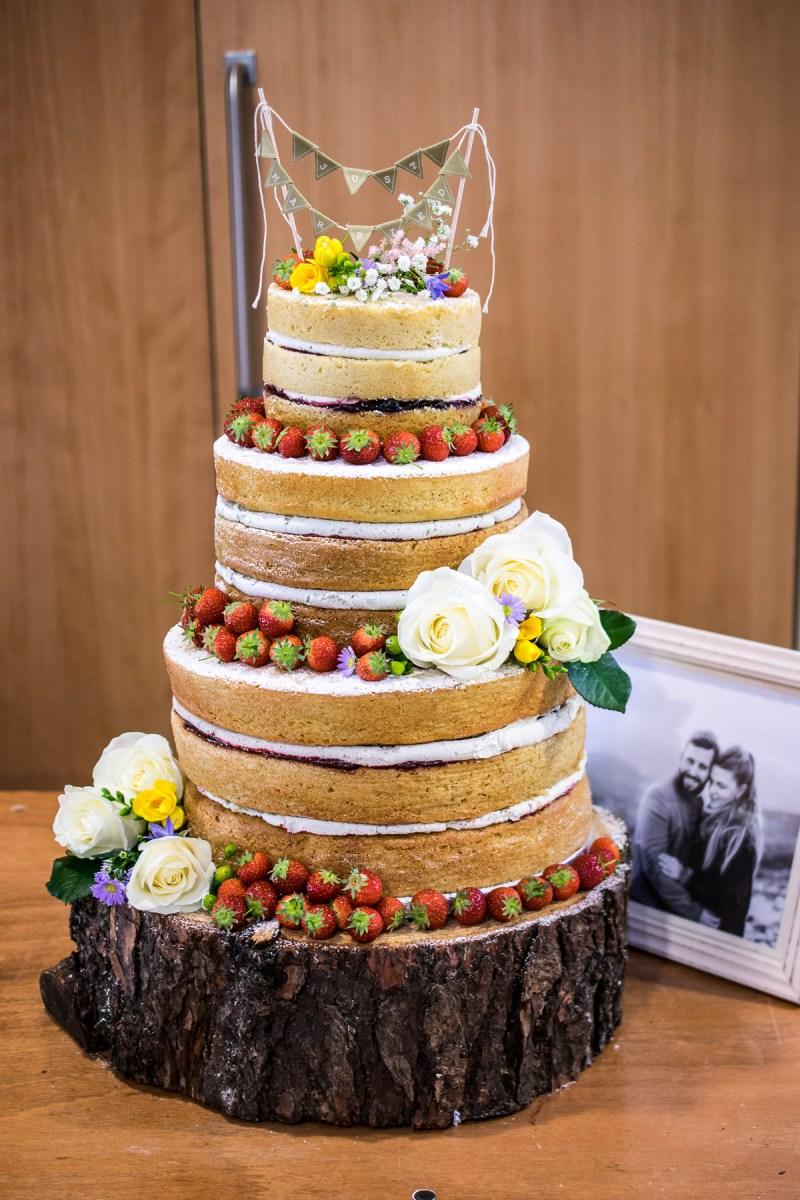 Making A Naked Wedding Cake