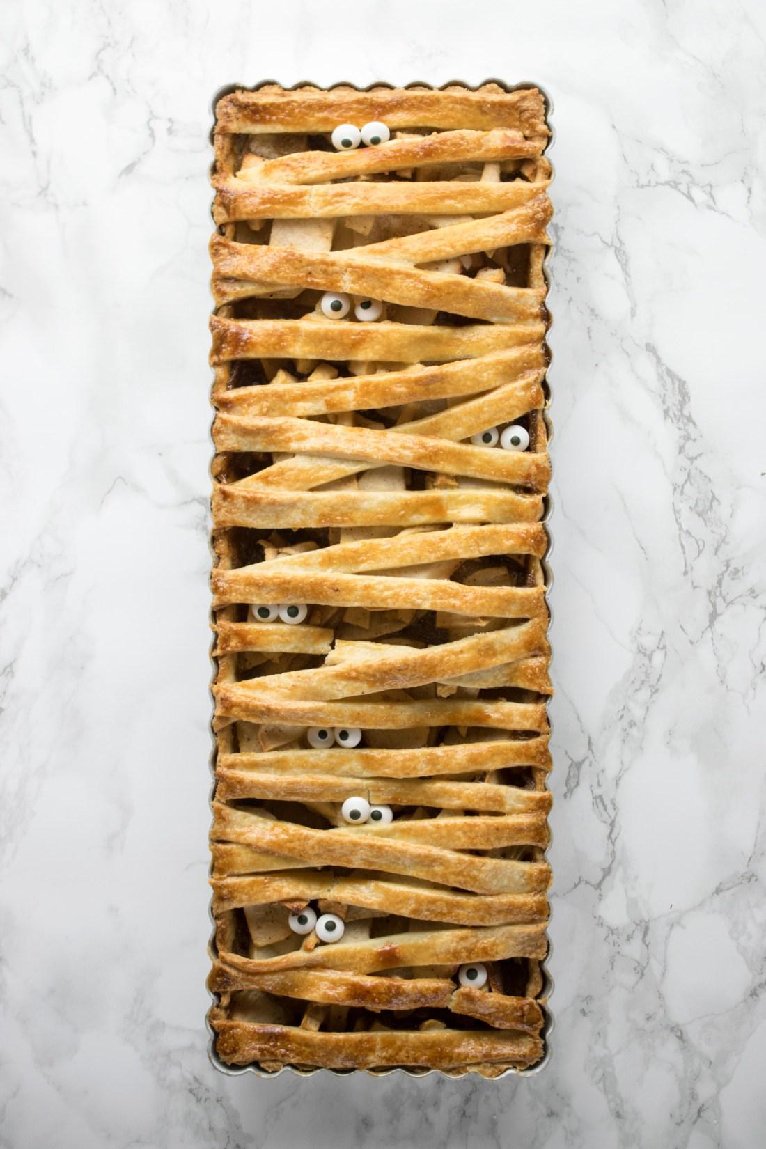 mummified-apple-pie-2