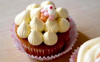 Surprise Caramel cupcake!!