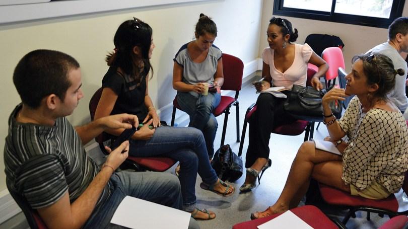 Les membres se rencontrent régulièrement autour d'ateliers
