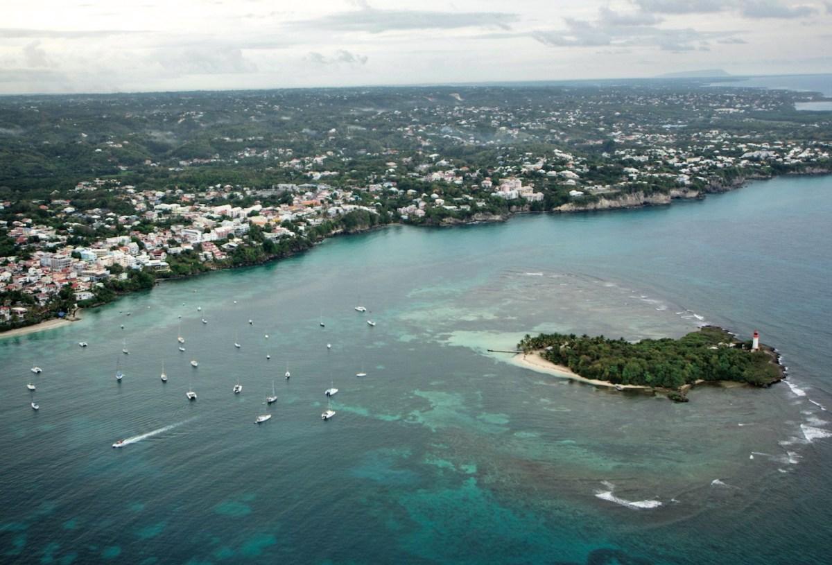 Dossier séduction des Outre-mer : la Région Guadeloupe, un million de touristes en Guadeloupe en 2020