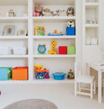 Dětský pokoj vjednoduchém stylu vpodání perfektní designérky