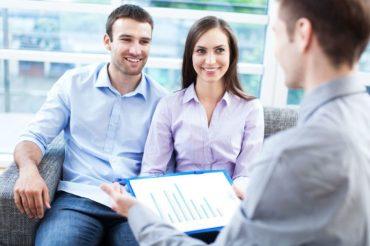 Czy warto korzystać z usług biura nieruchomości