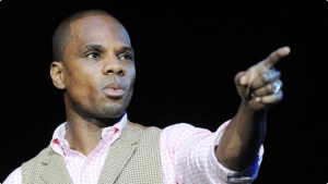 042711-shows-LEV-kirk-franklin-9.jpg