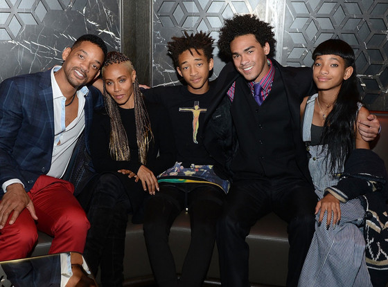 rs_560x415-131111050747-1024-jc-Jada-Pinkett-Smith-Jaden-Smith-Trey-Smith-and-Willow-Smith-celebrate-Trey-Smiths-21st-birthday-at-Hakkasan-Las-Vegas