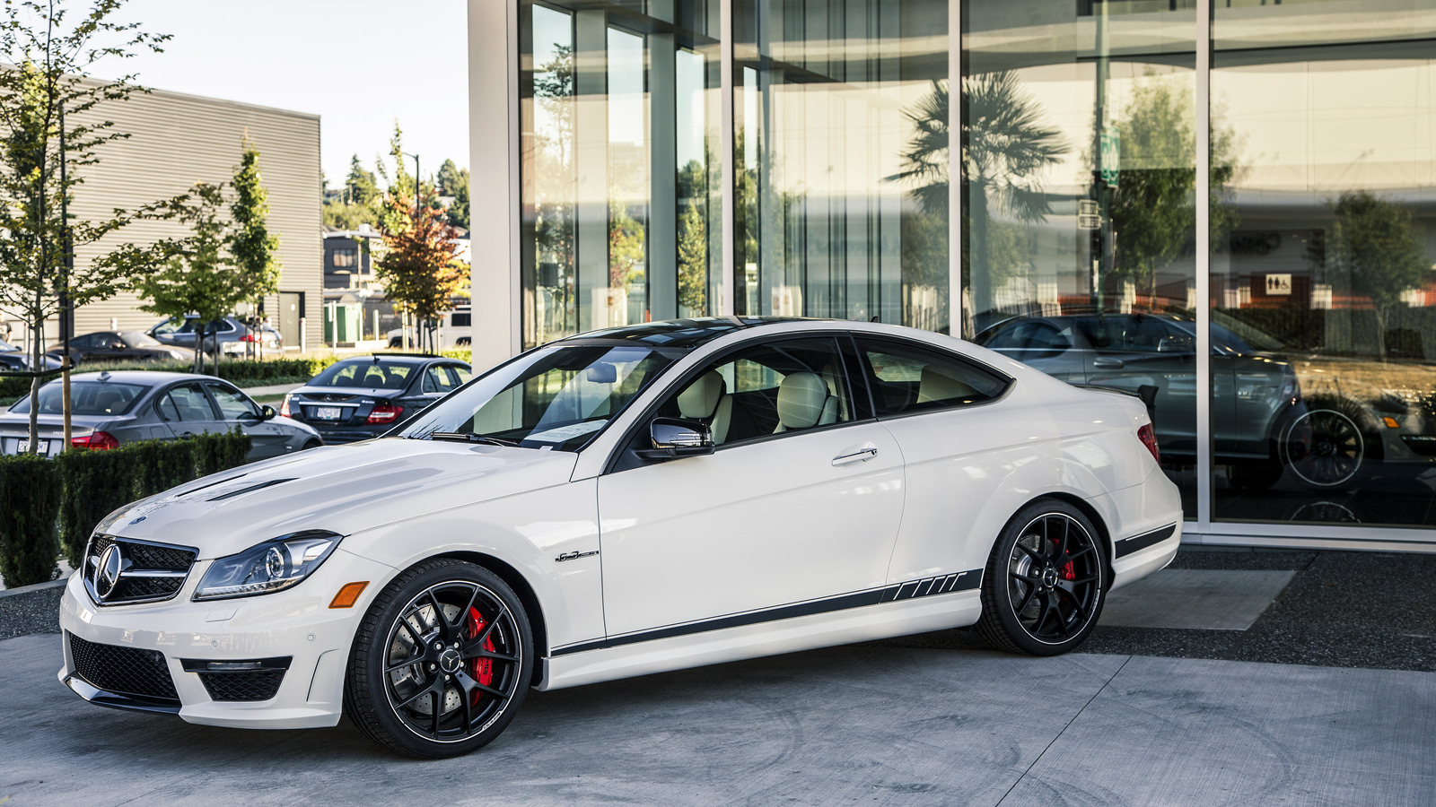 Mercedes benz c63 amg w204 review buyers guide for Common problems with mercedes benz c class