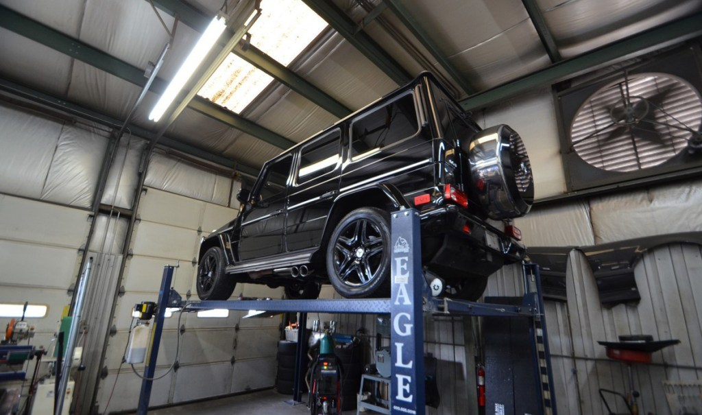mercedes-benz-g63-amg-gets-700-hp-and-pillbox-clearing-capabilities-video_1