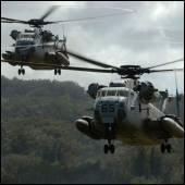 CH-53Ds landing