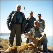 Hunters in Iran via http://stiliyankadrev.com/en/gallery/asia/iran.html [Fair Use]