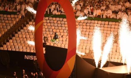 Comoção e conscientização: Atleta cadeirante desce megarrampa e levanta público no Maracanã