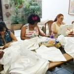 Na Paraíba, Mulheres Metodistas doam lençóis para Instituição de Combate ao Câncer