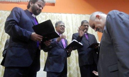 Consagração do Bispo Emanuel Siqueira reúne centenas em Mandaguari