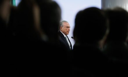 Crise política no Brasil paralisa Reforma da Previdência