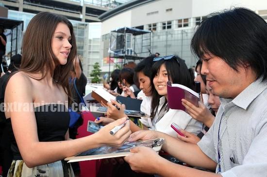 Actress-Nicola-Peltz-at-the-The-Last-Airbender-Tokyo-Premiere.jpg