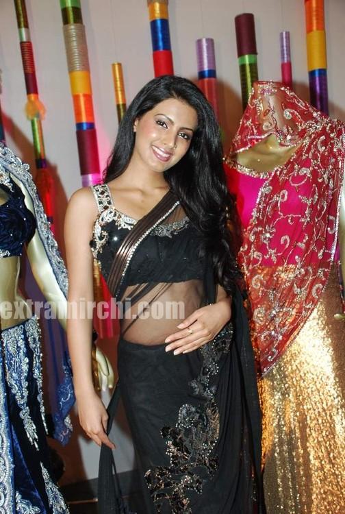 Geeta-Basra-at-Royal-Wedding-show-3.jpg