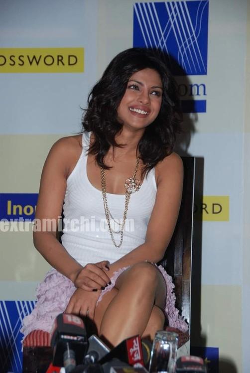 Priyanka-Chopra-launches-Sonal-Kalras-a-calmer-you-7.jpg