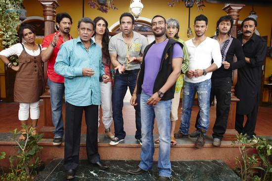 Golmaal-3-Ajay-Devgn-Kareena-Kapoor-Arshad-Warsi-Tusshar-Kapoor-and-Shreyas-Talpade-6.jpg