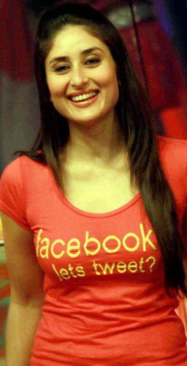 Kareena-Kapoor-Tweet-T-shirt.jpg