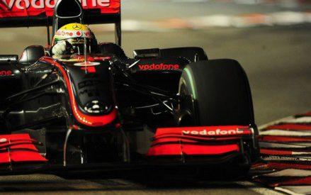 Lewis Hamilton líder en los libres 3.