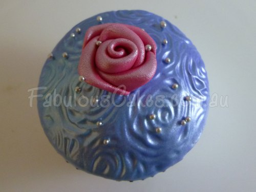 blue-cup-cake