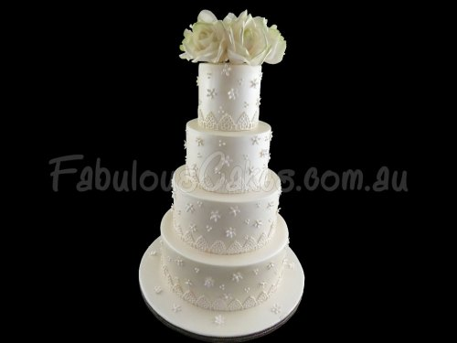 classic-white-beauty-wedding-cake