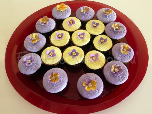 purple-yellow-cup-cakes