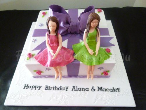 twins-birthday-cake