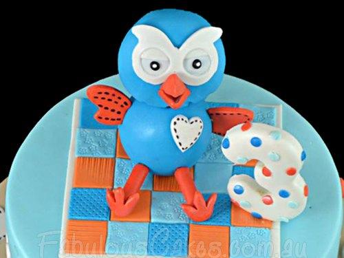 Hoot the Owl Cake