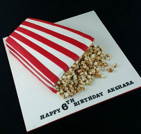 Pop corn bag with salted caramel pop corn Cake