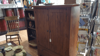 fab-finds-aylas-acres-thriftique-cabinet